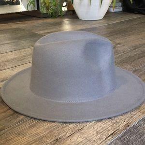 Accessories - Grey hat NWOT